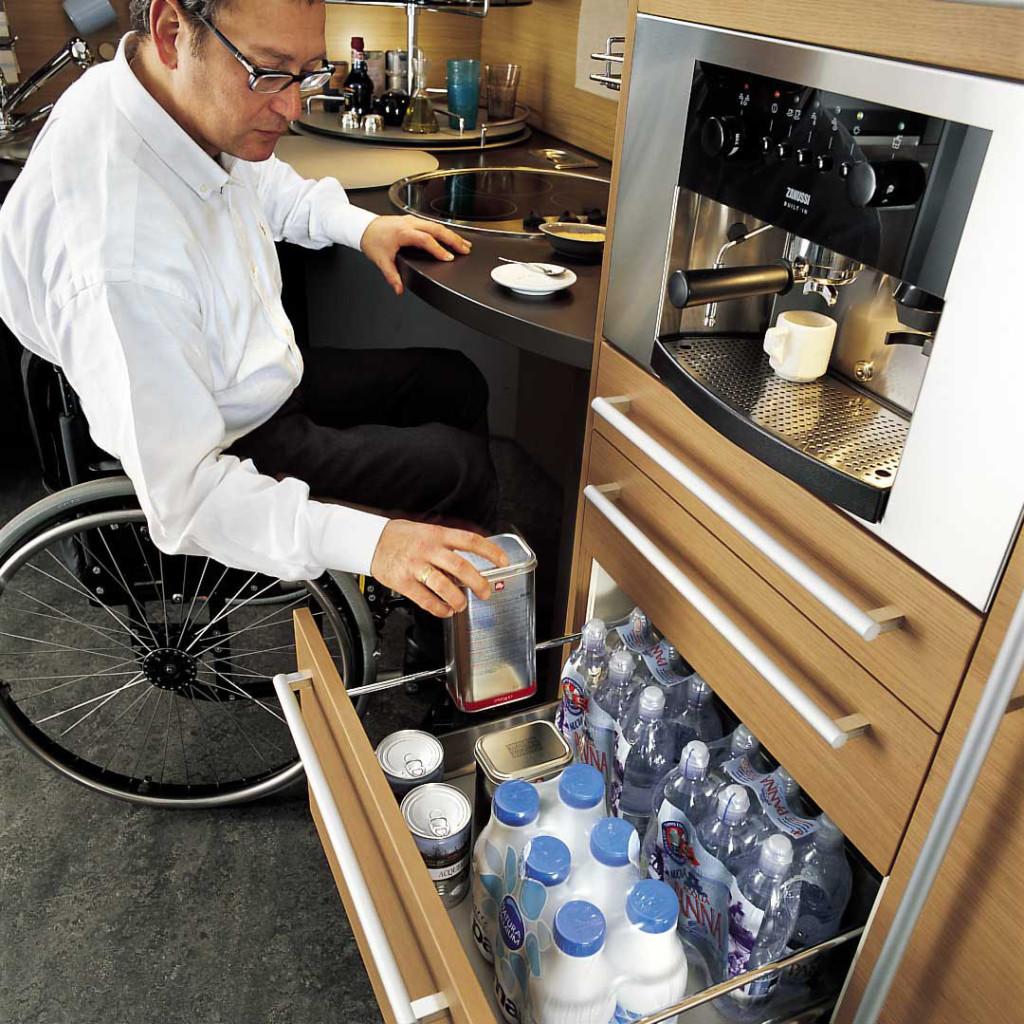 superbe cuisine personne fauteuil roulant (9)