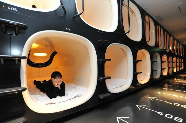 hotel capsule