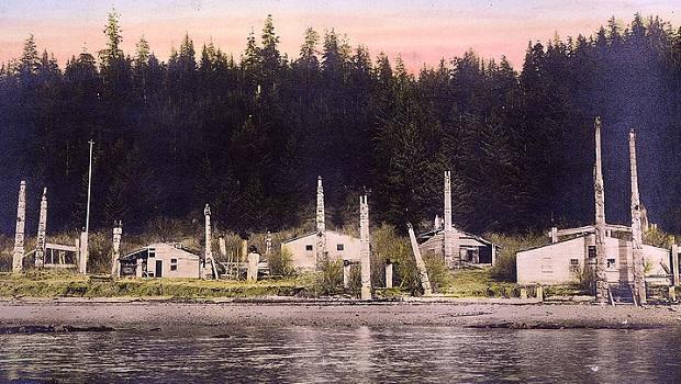 Vieille photo montrant Kasaan abandonnée au début du 20ème siècle