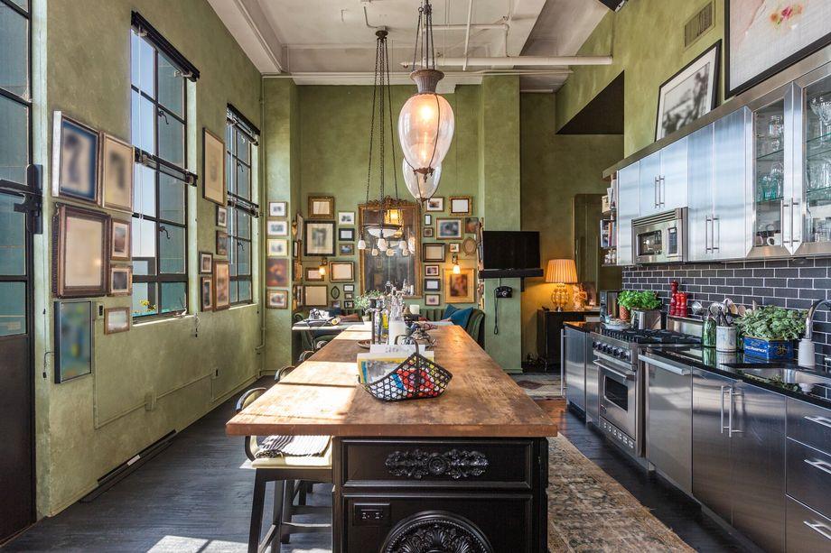 les appartements de johnny depp los angeles vendre pour 12 7 m. Black Bedroom Furniture Sets. Home Design Ideas