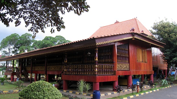 architecture traditionnelle indonésie
