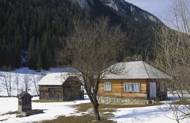 maison traditionnelle roumanie neamt 13