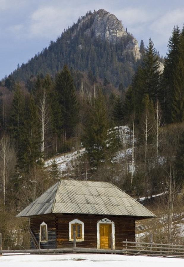 maison traditionnelle roumanie neamt 7