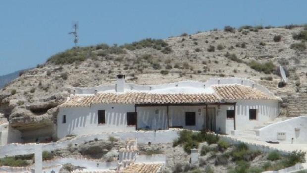maison-troglodyte-andalousie-5