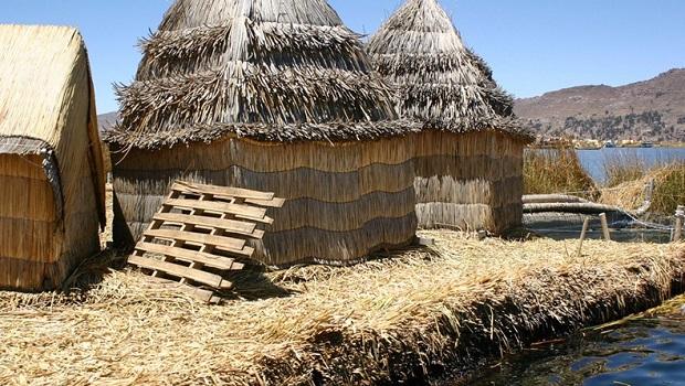 maisons-roseaux-uros-9