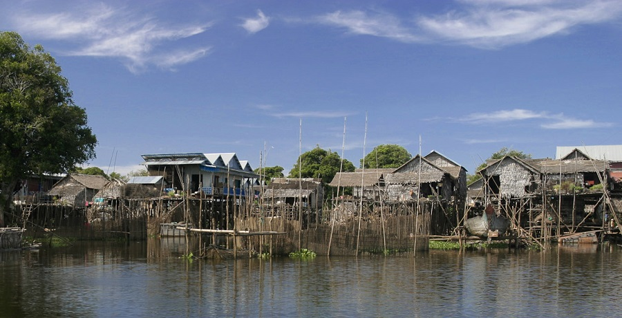 maisons pilotis Kompong Phluk