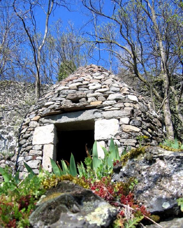 cabane en pierre sèche