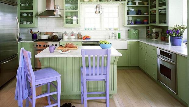 Une cuisine verte avec une pointe de lavande