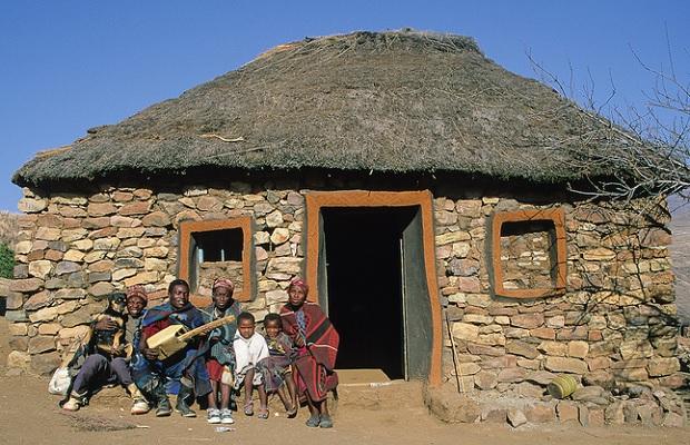 hutte lesotho