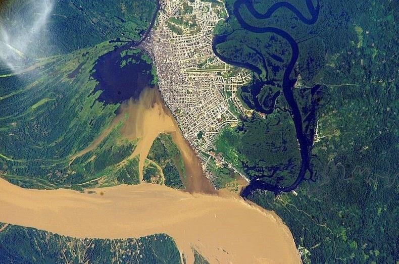 iquitos satellite