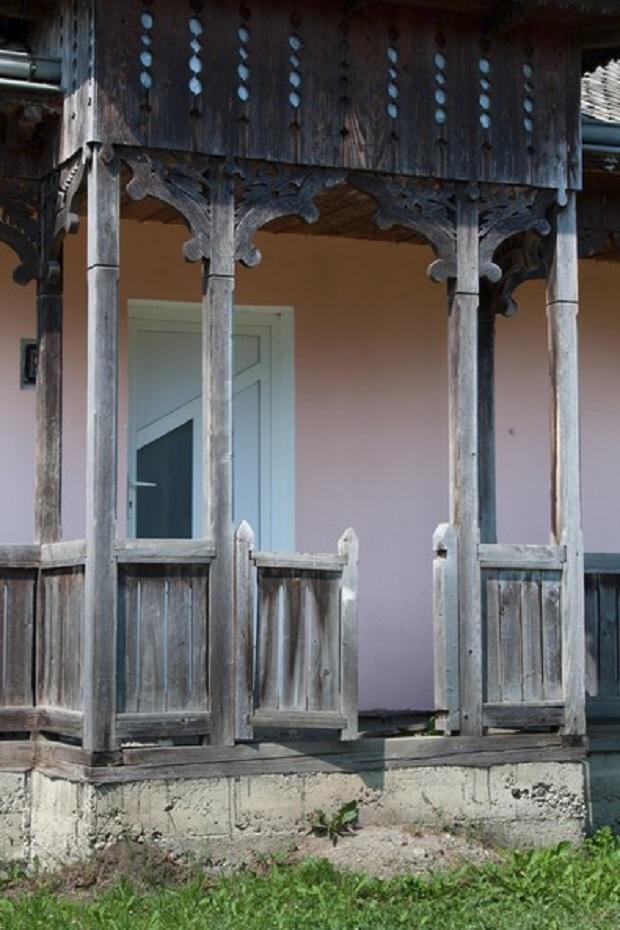 porte maison roumanie