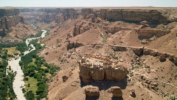 village-boue-yemen-2
