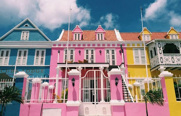 willemstad-maisons-colorees-10