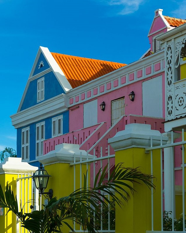 willemstad-maisons-colorees-6