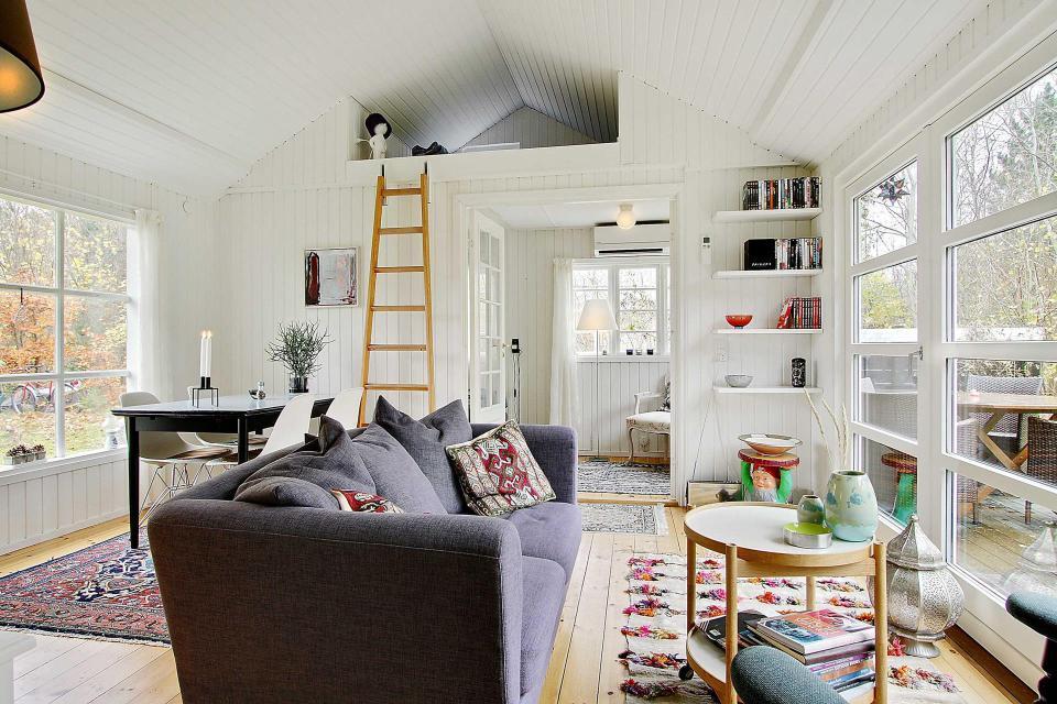 maison-ete-blanc-et-noir-danemark-3