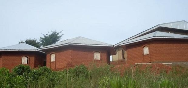bungalow-brique-cameroun-2
