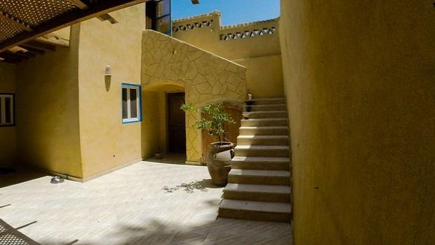 maison jaune egypte