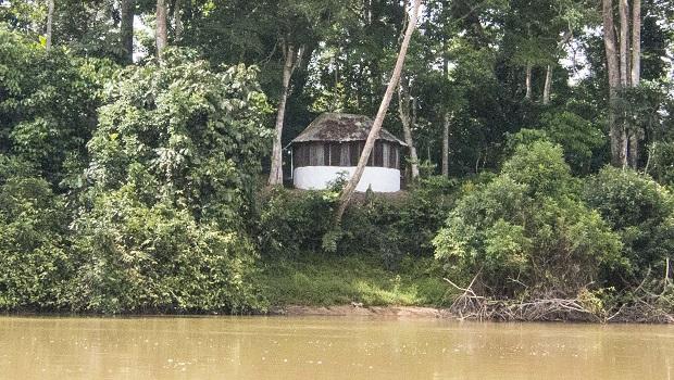 maison rivière sangha