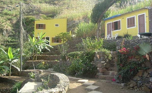petite-maison-typique-du-cap-vert-2