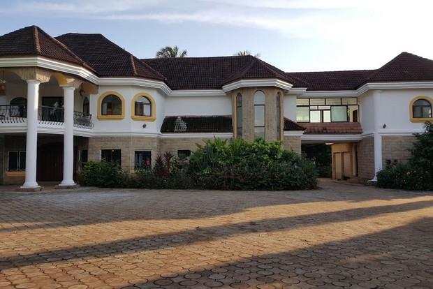Superbe Villa Coloniale 224 Conakry