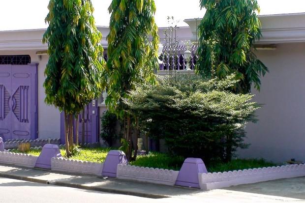 une villa enti rement mauve en alg rie. Black Bedroom Furniture Sets. Home Design Ideas