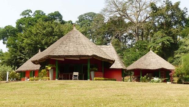 villa toit de chaume