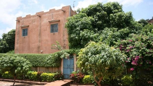 Grande maison traditionnelle au Mali