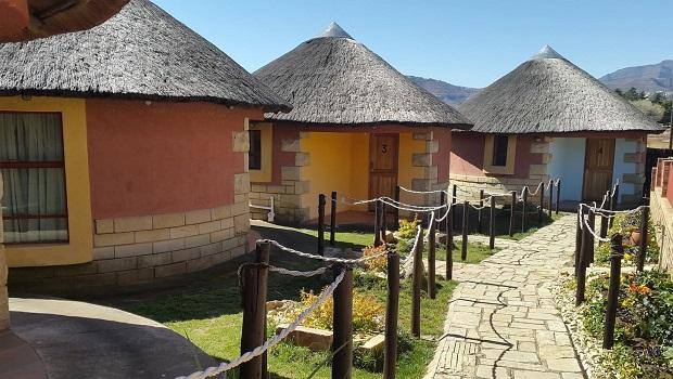 huttes colorées lesotho