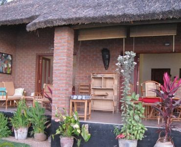 maison brique et chaume malawi