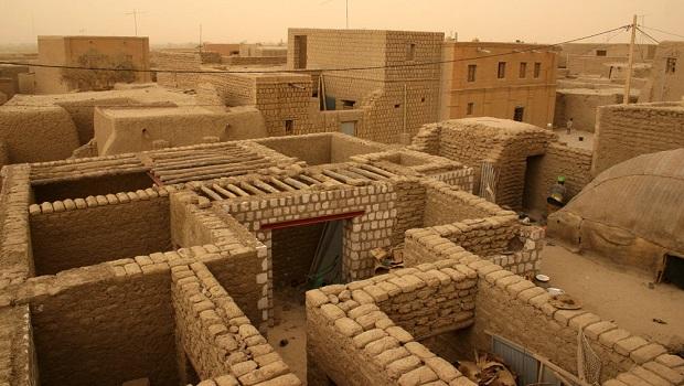 La maison de boue traditionnelle de tombouctou for Construire une maison au mali