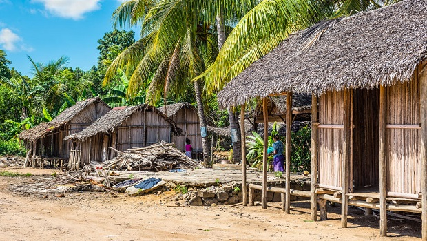 Les maisons troglodytes de matmata for Maison traditionnelle laos