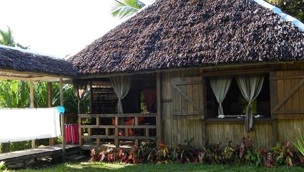 maison traditionnelle malgache en bois