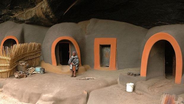 Les habitations troglodytes de Kome