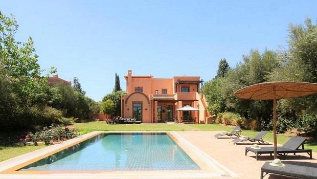 30 id es uniques et originales de portail de jardin travers le monde - Villa de luxe etats unis ...