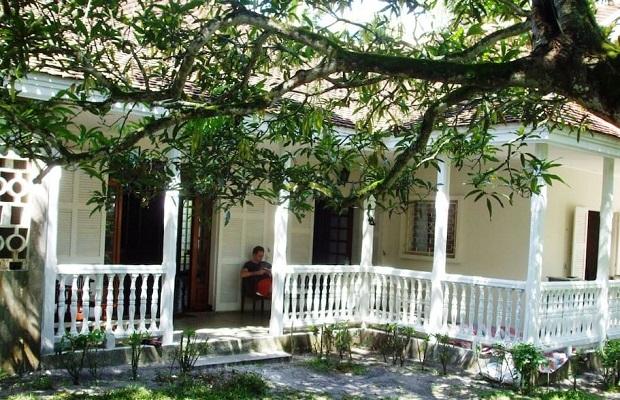 Superbe villa de style colonial madagascar - Villa style colonial ...
