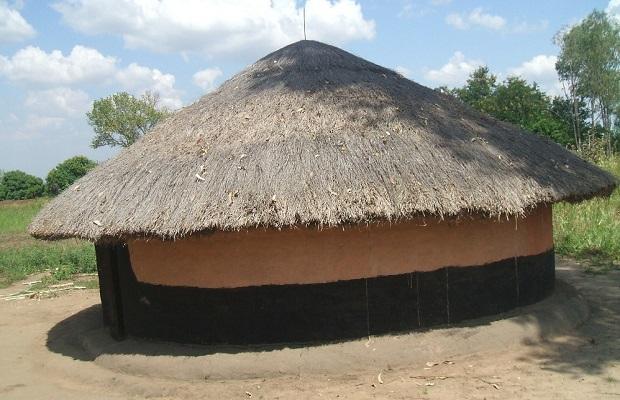 hutte peuple acholi