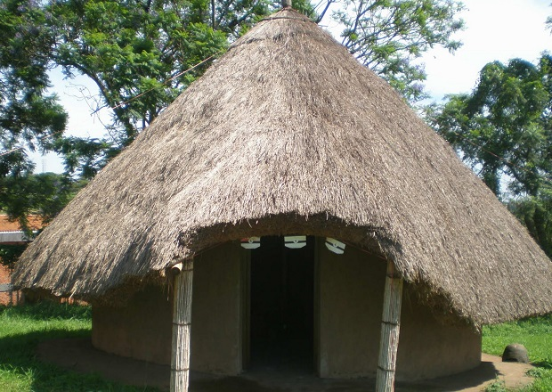 hutte traditionnelle ouganda