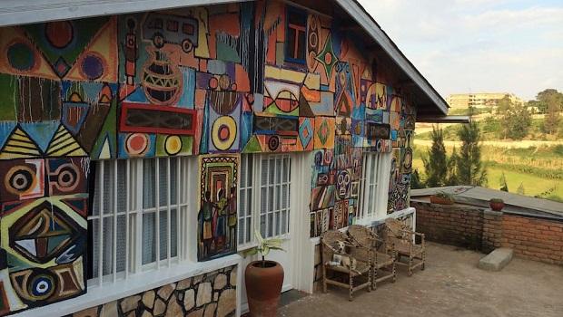 Maison artistique et colorée à Kigali