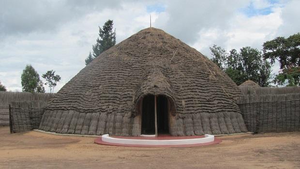 les maisons des rois au rwanda. Black Bedroom Furniture Sets. Home Design Ideas