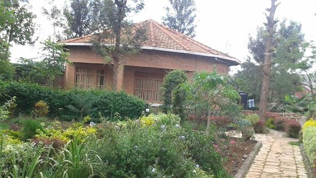 Rondavelle en briques à Kigali