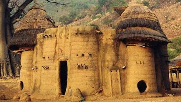 Takienta : la maison-tour traditionnelle du peuple Batammariba au Togo