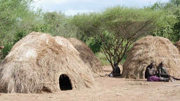 La hutte du peuple Mursi