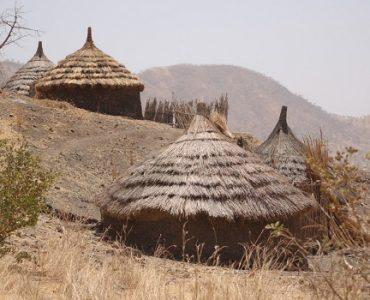 huttes peuple nouba