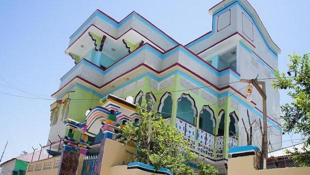 Superbes maisons colorées en Somalie