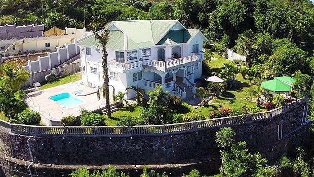 Villa de luxe anse royale for Maison moderne haiti