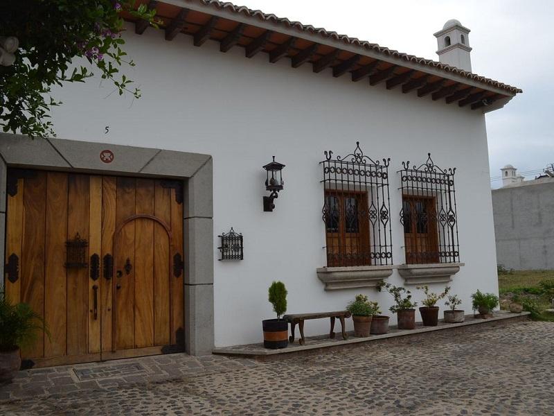 Les Maisons Coloniales D'Antigua