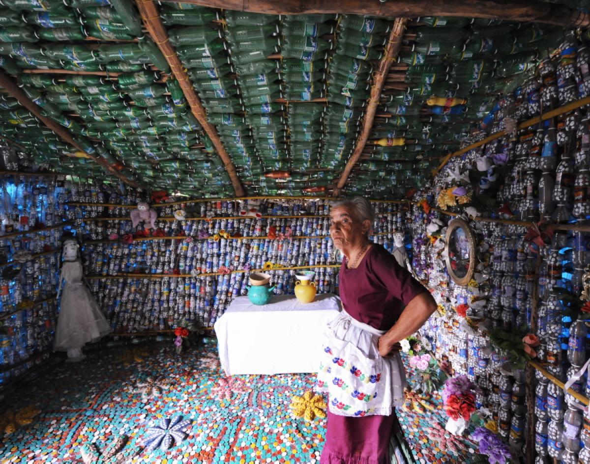 maison bouteilles plastique