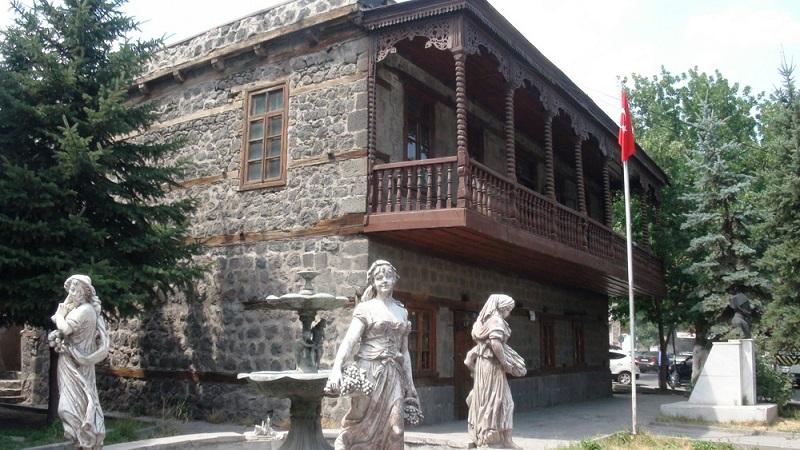 maison traditionnelle kars