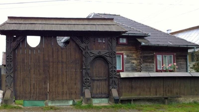 portail traditionel arménie