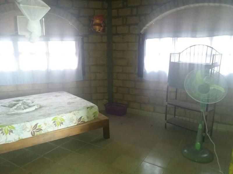 hutte en briques congo